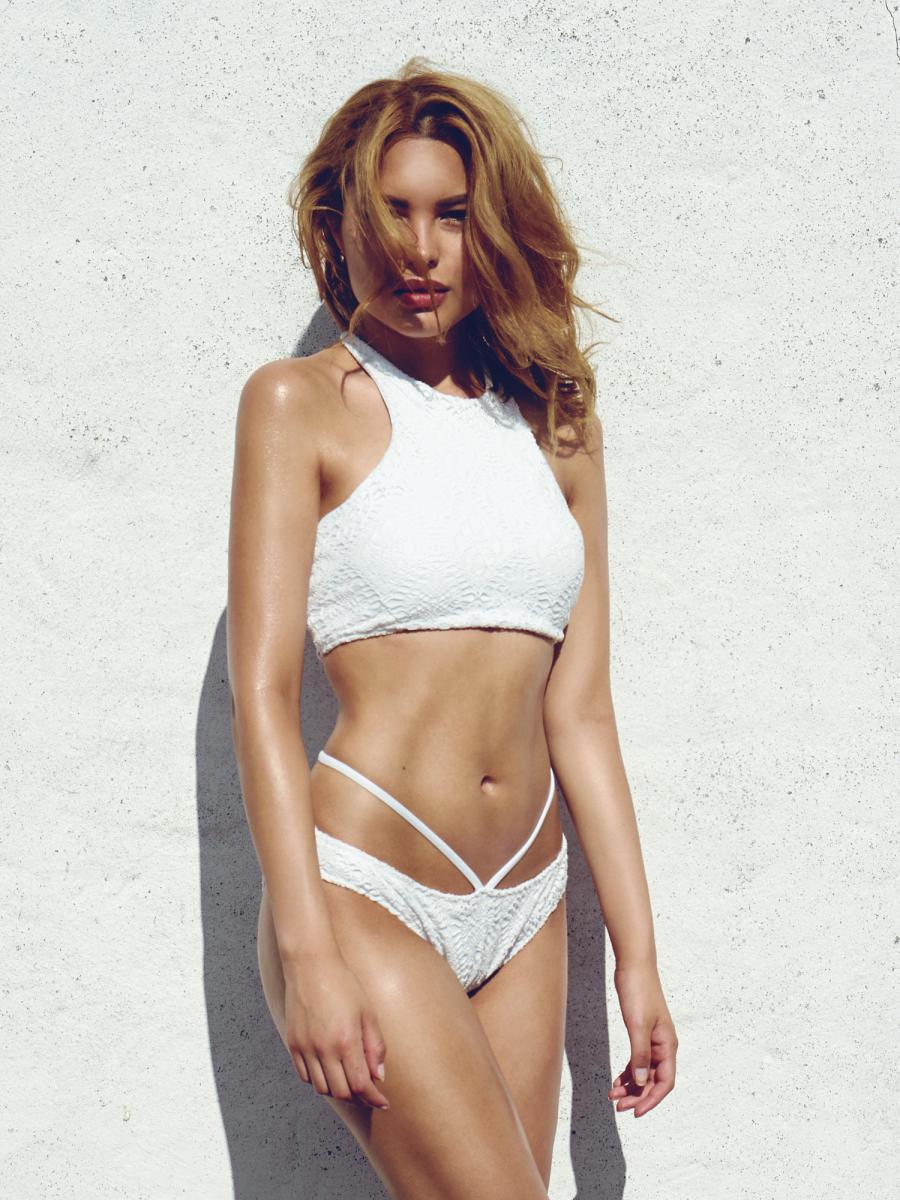 Blossom Bikini Top Offwhite
